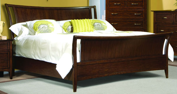Stanford Heights Sleigh Bed 5/0 Queen