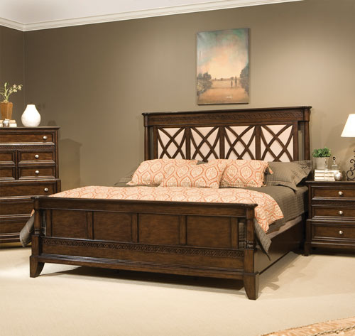 Jackson Square Poster Bed 5/0 Queen